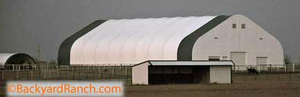 Horse shed, barn or riding arena made of polyethylene.